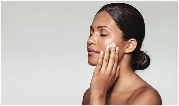 como hidratar la piel seca de la cara